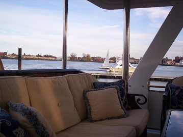 Green Turtle 2 aft deck port view
